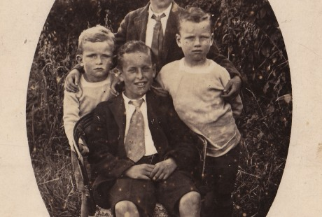Aidan (on right) with brothers, Castletownbere 1919